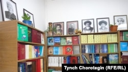 Бишкектеги кыргыз китеп дүкөнү.