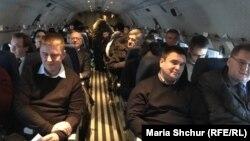 Усі вільні місця в чеському урядовому літаку зайняли українські урядовці