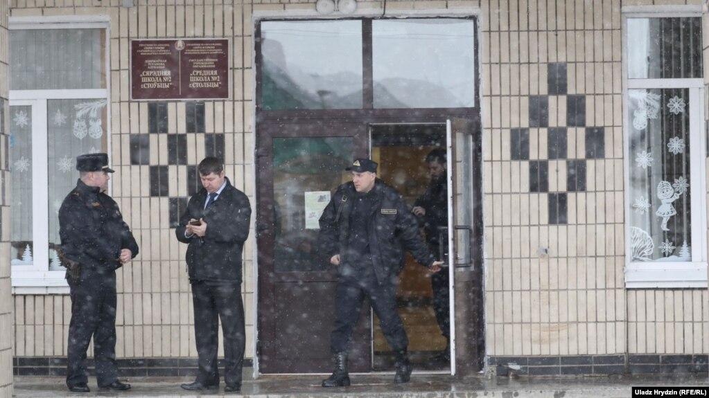 В Беларуси подросток убил учительницу и школьника