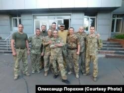 Олександр Порохня (в центрі)