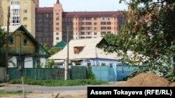 Астанадағы жер үйлер. 16 қараша 2011 жыл.