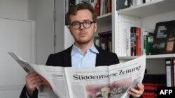 Alman jurnalist Frederik Obermaier anonim mənbə ilə çatda olduğunu təsdiqləyib