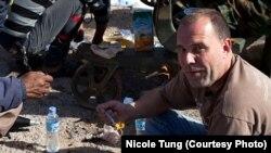 Peter Bouckaert u blizini prve linije fronta u istočnoj Libiji