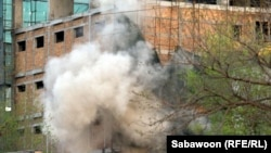 Дым вокруг отеля. Кабул, 15 апреля 2012 года.
