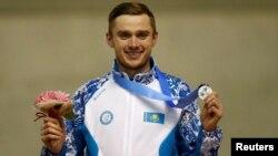 Денис Кузиннің Азия ойындарында медаль алған сәті. Саппоро. 21 ақпан 2017 жыл.