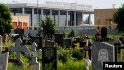Донецкий аэропорт, вид с кладбища