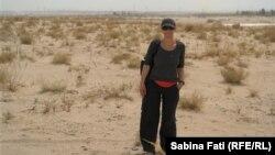 La Hami pe fundal de deșert