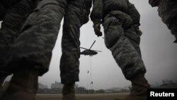 این تصویر یکی از رزمایشهای سالیانه مشترک میان آمریکا و کره جنوبی را نشان میدهد