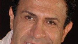 آقای خرداديان يکی از معدود چهره های مشهور ايرانی است که روزی در يک برنامه تلويزيونی حاضر شد و با صراحت در پاسخ به پرسش های مصاحبه کننده گفت که يک همجنسگراست. (عکس از رادیو اروپای آزاد)