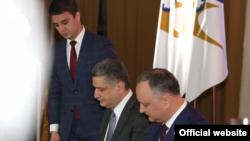 Игорь Додон и Тигран Саркисян во время подписания меморандума о сотрудничестве