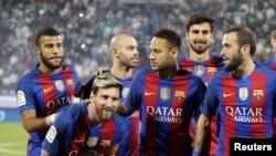 """Испаниялык """"Барселона"""" футбол клубунун оюнчулары."""