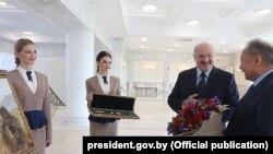 Belarus prezidenti Aleksander Lukashenko qaçaq həmkarı Kurmanbek Bakiyevi bu il ad günü münasibətilə təbrik edib