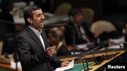 محمود احمدینژاد، رئیس جمهور ایران، در «نشست حاکمیت قانون» سازمان ملل. ۲۴ سپتامبر ۲۰۱۲.