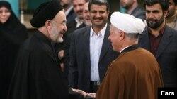 اکبر هاشمی رفسنجانی و محمد خاتمی در روز رایگیری انتخابات دوره سوم شوراهای شهر و روستا، ۲۴ آذر ۸۵