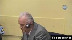 Ratko Mladić u sudnici 25. kolovoza 2011