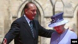Если бы планы Ги Молле осуществились, Жак Ширак не смог бы разговаривать с Елизаветой Виндзор на равных