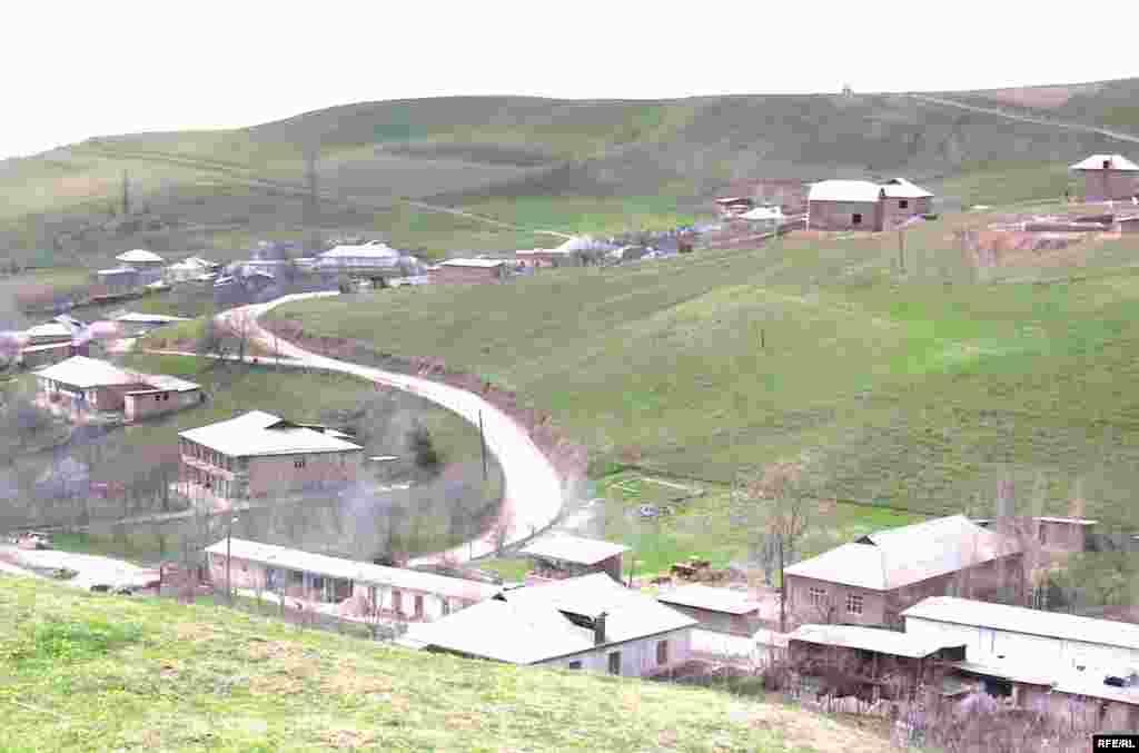 بهار شهر و روستا نمیشناسد / تاجیکستان