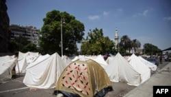 Палатки, установленные демонстрантами в окрестностях Каира