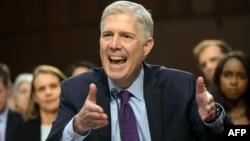 Ніл Ґорсач став новим суддею Верховного суду США