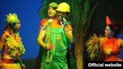"""Театарската претстава """"Цветната улица"""" на Театарот за деца и младинци во Скопје."""