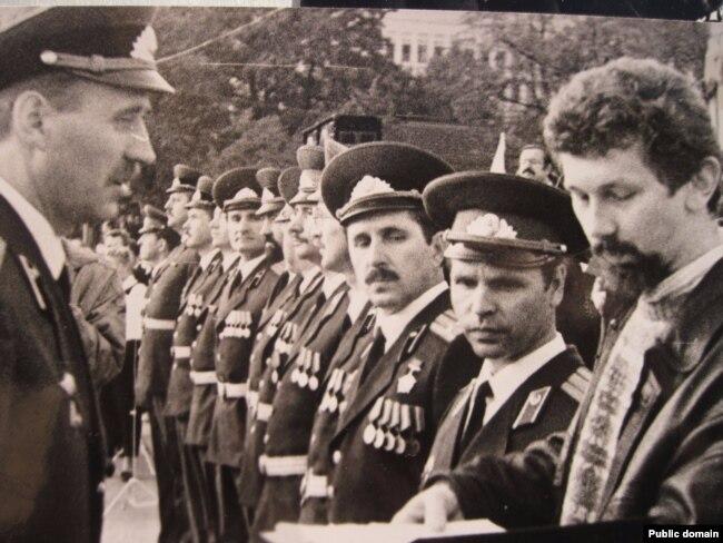 Прысяга вайскоўцаў і афіцэраў запасу, 8 верасьня 1992