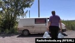 Жителі Луганська змушені запасатися водою