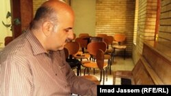الاستاذ دريد أحمد عازف البيانو بيساره