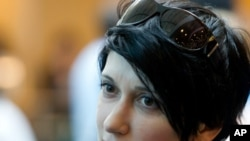 هما دوروتی پرواز، خبرنگار ایرانی شبکه تلویزیونی الجزیره
