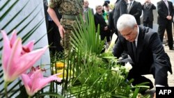 Boris Tadić u Srebrenici, juli 2010.