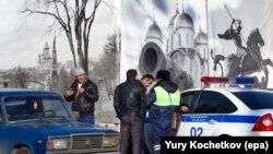 Илустрација-полициски службеници во Москва