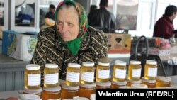 La piața din Nisporeni