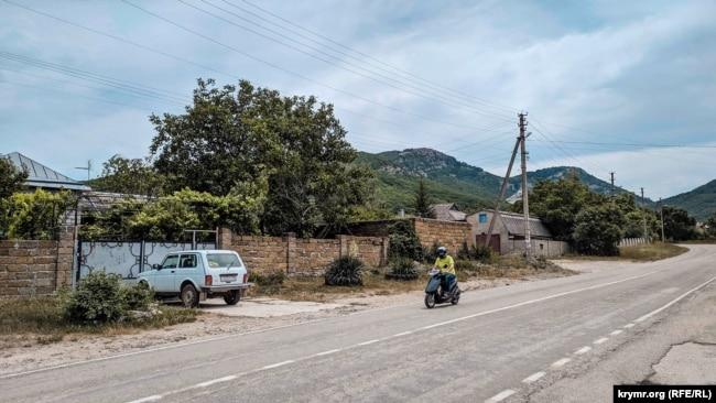 Орлиное. Село у Байдарских ворот (фотогалерея)