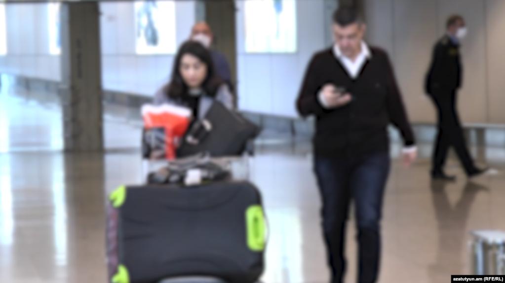 Армяне, долгое время остававшиеся в московском аэропорту «Домодедово», вернулись в Армению