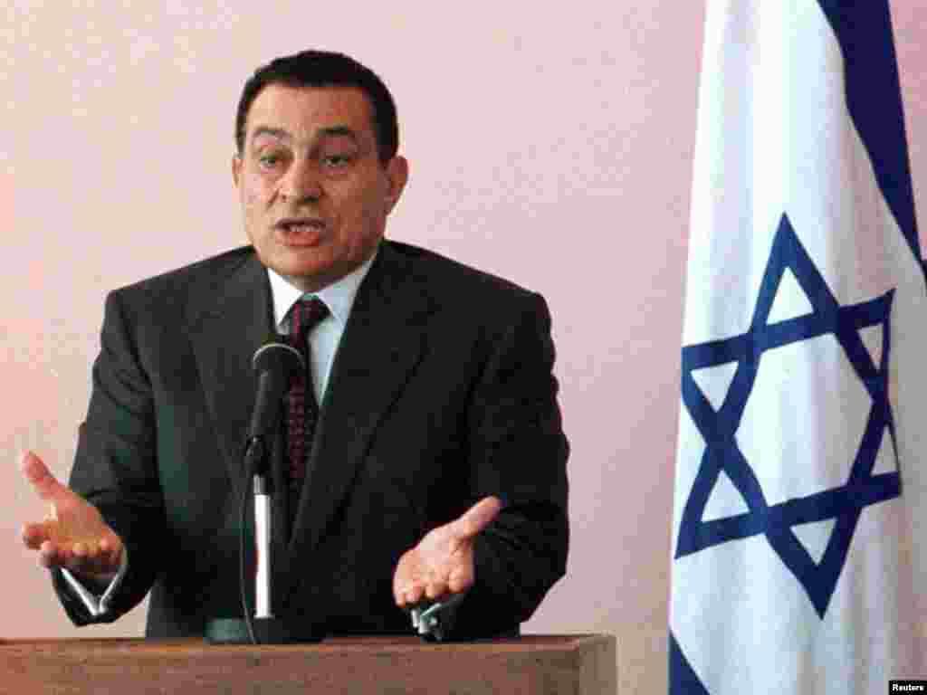 Хосни Мубарак во время совместной пресс-конференции с премьер-министром Израиля, 27 мая 1997