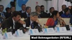 """Бейбітшілік және келісім сарайындағы """"Діндер терроризмге қарсы"""" жиыны. Астана, 31 мамыр 2016 жыл."""