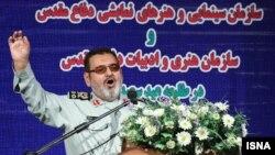 حسن فیروزآبادی: نیروهای مسلح برای کسب درآمد و گرفتن کار مردم به صحنه نیامدند و خود را رقیب مردم و تولید کنندگان داخلی نمیبینند.