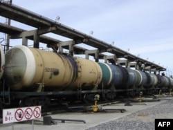 Ресейдің «Роснефть» мұнай компаниясы вагон-цистерналары. (Көрнекі сурет)