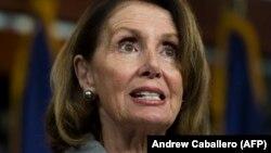 Konqres demokratlarının lideri Nancy Pelosi büdcə razılaşması əleyhinə 8 saatlıq çıxış edib