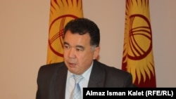 Kyrgyzstan -- The Central Election Commission Chairman Abdraimov, Bishkek. 17Oct2011