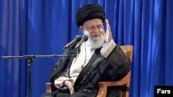 Аятолла Әли Хаменеи. Тегеран, 3 маусым 2012 жыл.