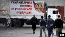 Російська вантажівка у Донецьку