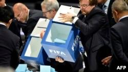 ФИФА президентін сайлау кезінде дауыс санау сәті. Цюирх, 29 мамыр 2015 жыл.