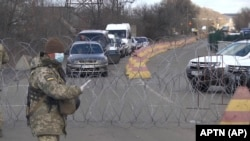 КПВВ «Майорское» в Донецкой области 16-го марта, когда Украина перестала выпускать из ОРДЛО людей без прописки на свободной территории