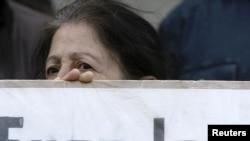 НПО требуют освободить 60 человек, которых оппозиционные партии считают политическими заключенными