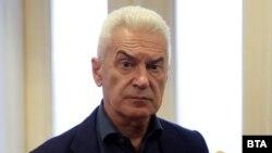 """Волен Сидеров е разследван за призива си хората масово да излязат без маски от домовете си на Великден и да докажат, че """"Бог е над Мутафчийски"""""""