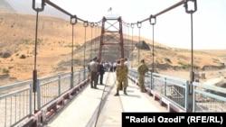 Мост между районом Шамсиддин Шохин и афганским уездом Хохон