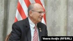 تد پو، عضو مجلس نمایندگان آمریکا، میگوید مقامهای ایران «باید بهخاطر آشفتگی و جنگی که در یمن ادامه میدهند، پاسخگو شوند»