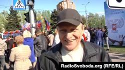 Донеччанин, який прийшов на демонстрацію, говорить, що з радістю платить за комуналку