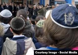 Copii evrei la o ceremonie în Franța