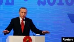Թուրքիայի նախագահ Ռեջեփ Էրդողանը ելույթ է ունենում ՆԱՏՕ-ի ԽՎ նստաշրջանում, Ստամբուլ, 21-ը նոյեմբերի, 2016թ․